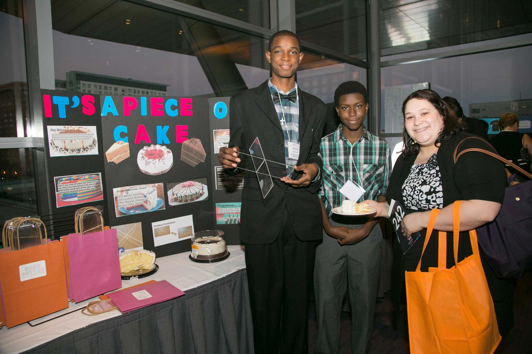 Its a Piece of Cake Student Entrepreneurs at BUILDfest