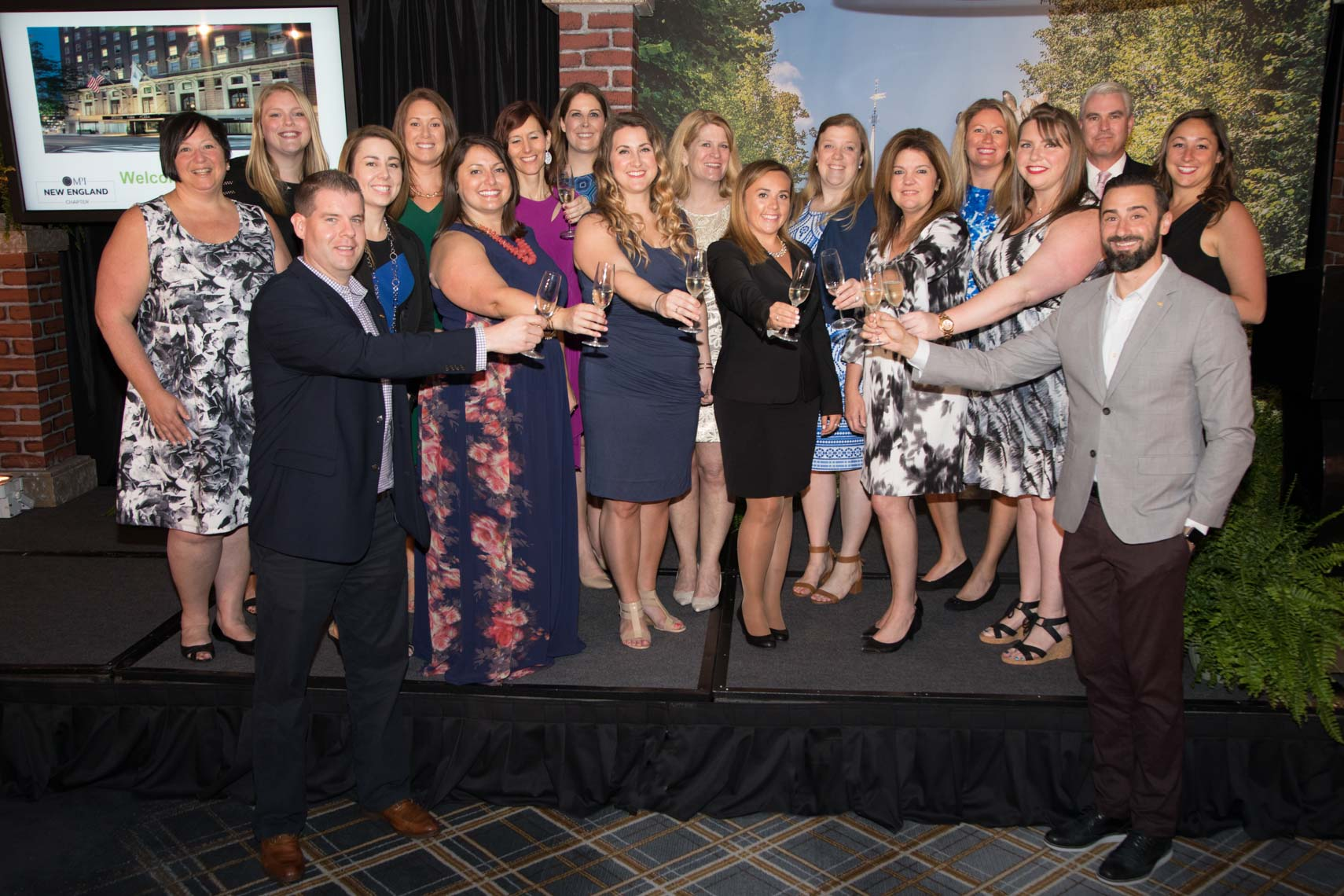 MPINE Members Toast the End of the Year Gala 2017