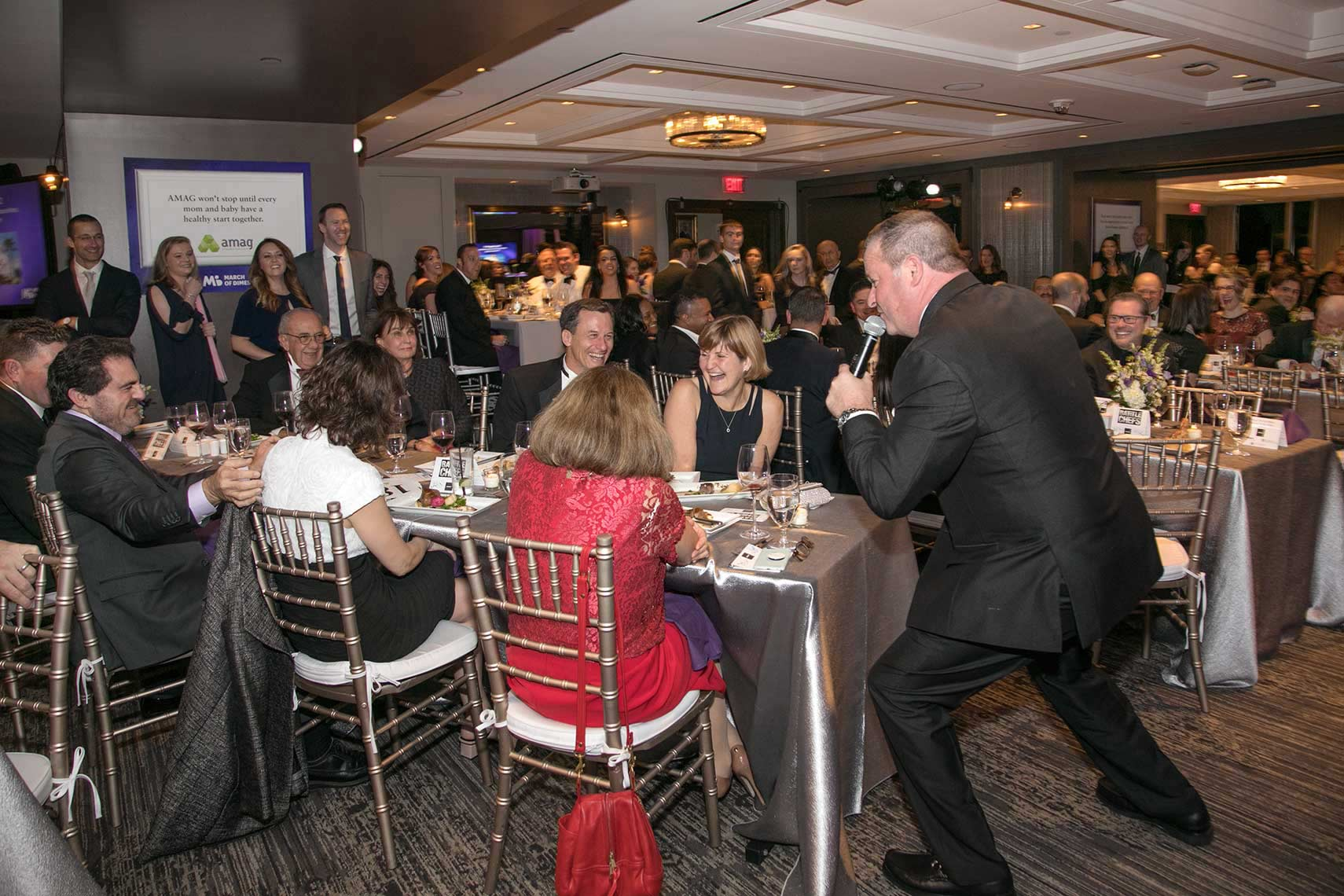 027-Auctioneer-working-the-room-at-the-Black-Ties-for-Babies-fundraising-gala-for-the-March-of-Dimes