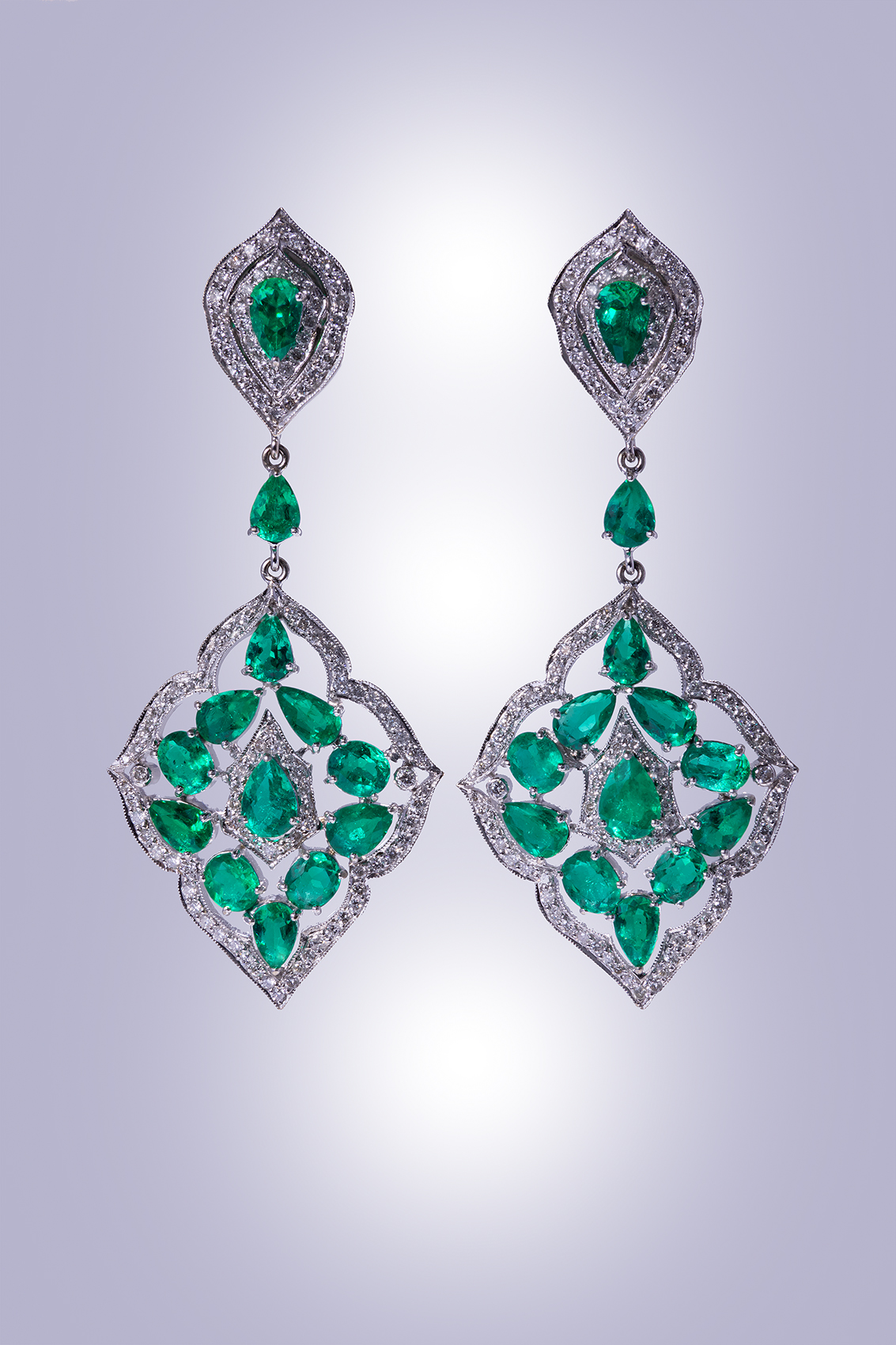 DePrisco Jewelers Wellesley MA, Emerald Earrings