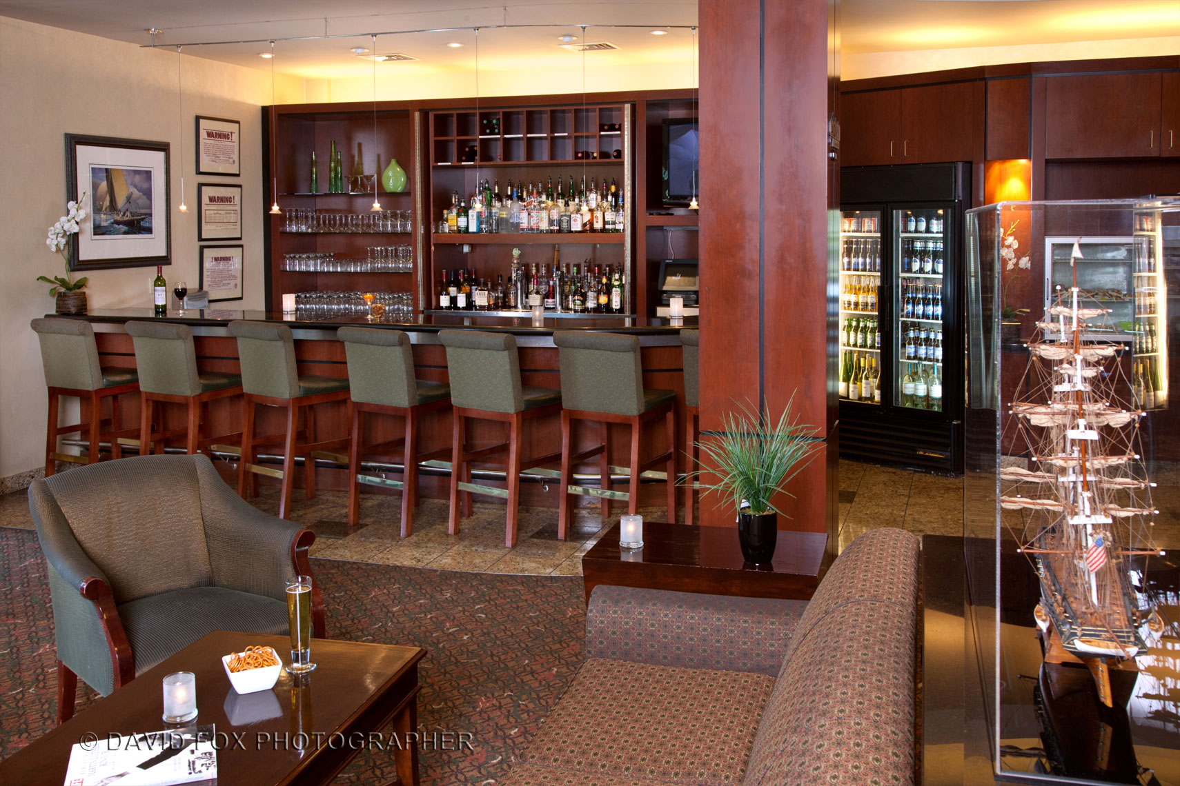 Hotle Bar and Lounge at the Marriott Woburn